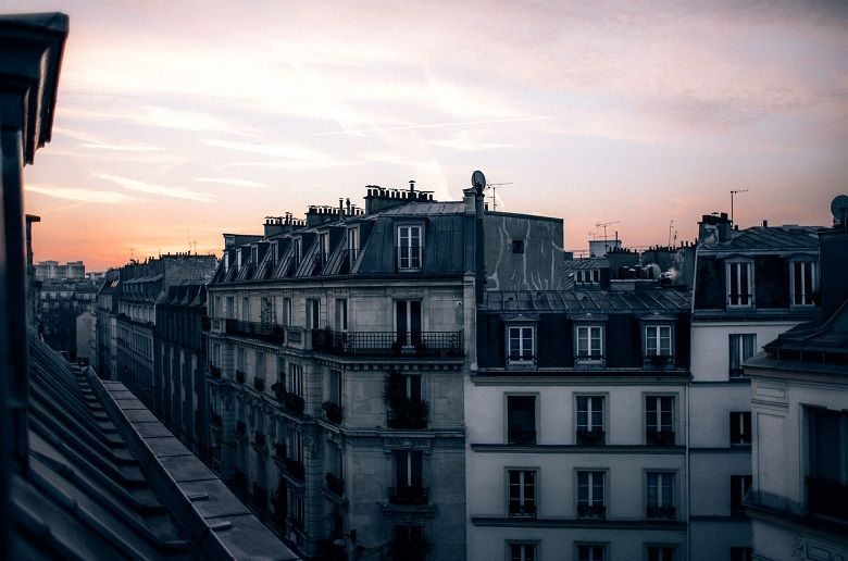 Le Marais Paris Neighborhood Guide: Hotels, Restaurants & Attractions