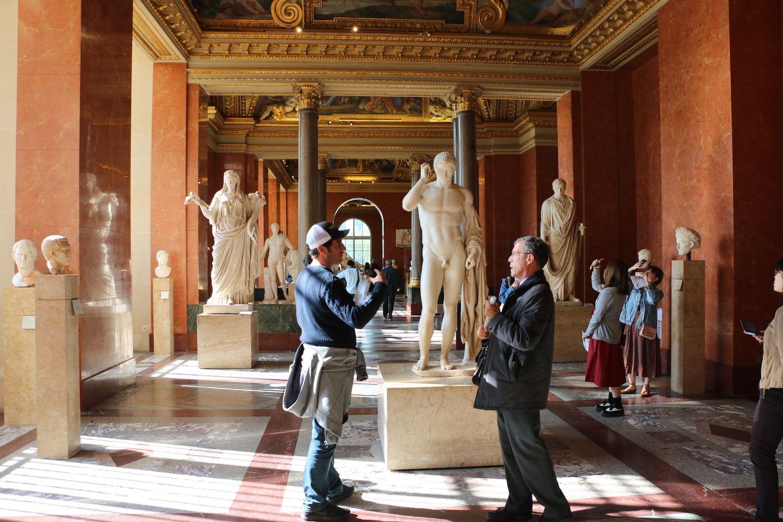 The Louvre Sculptures