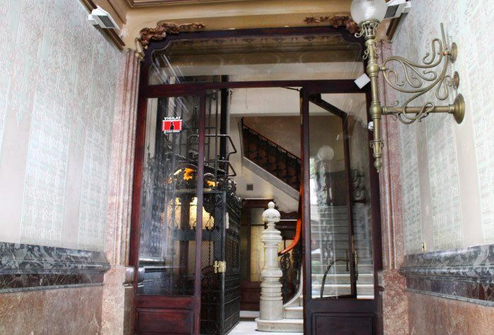 Cami Bed & Gallery in Barcelona Spain
