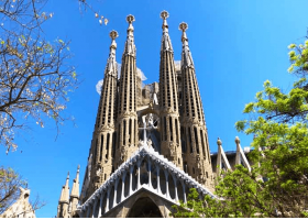 Barcelona's best Sagrada Familia and Local Tapas tours
