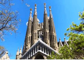 Barcelona's best Sagrada Familia and Local Tapas tours