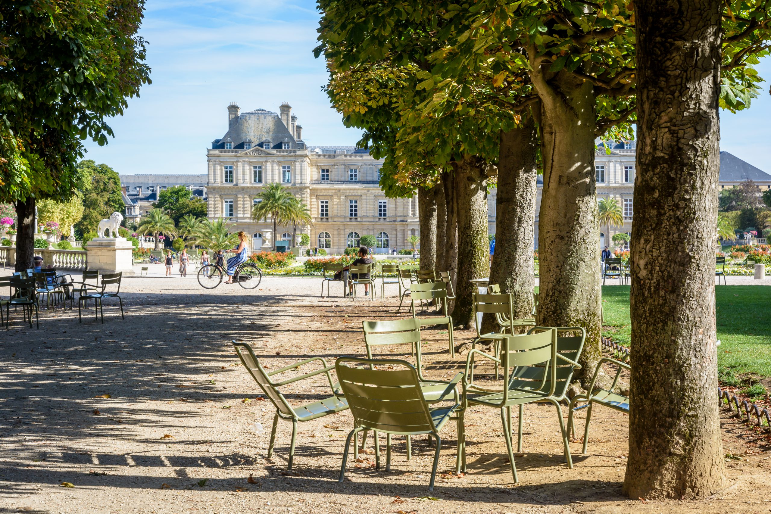11 Local Things Not to Miss When Visiting Paris