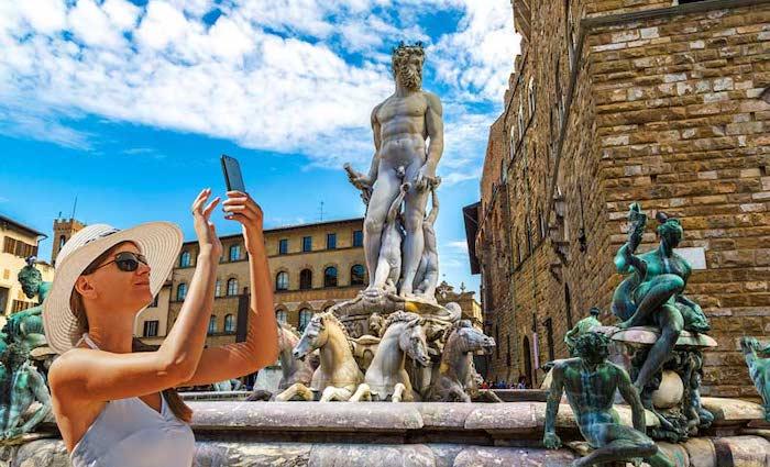 Piazza-Signoria-Uffizi-Tour-with-The-Tour-Guy