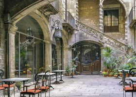 10 Best Restaurants in  the Gothic Quarter of Barcelona