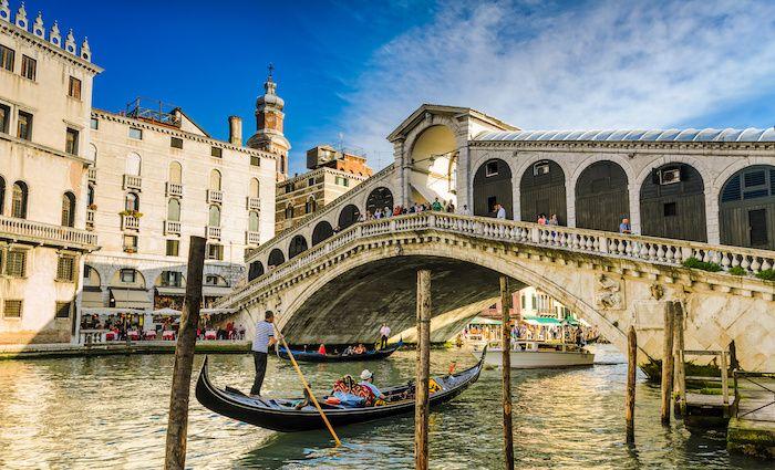 Top Attractions in Venice Rialto Bridge