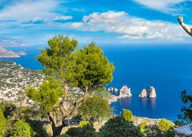 What are the differences between Capri and Anacapri?
