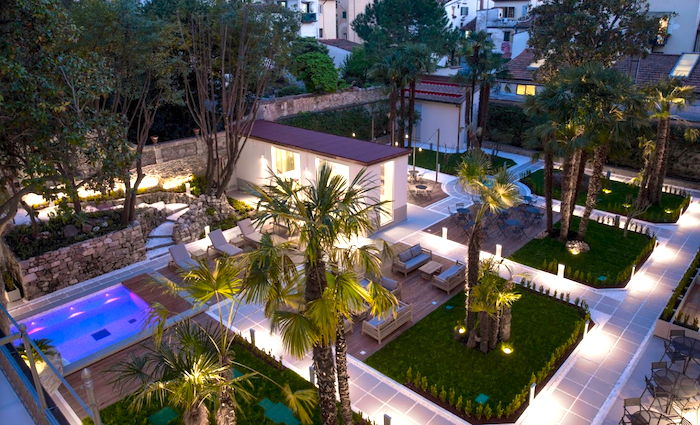 Palazzo Castri hotels with pools