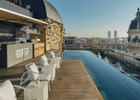 15 AMAZING Barcelona Hotels with POOLS in 2021